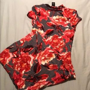 NWOT Gray dress with roses